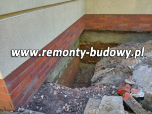 skąd wilgoć na ścianie domu piwnicy fundamentu